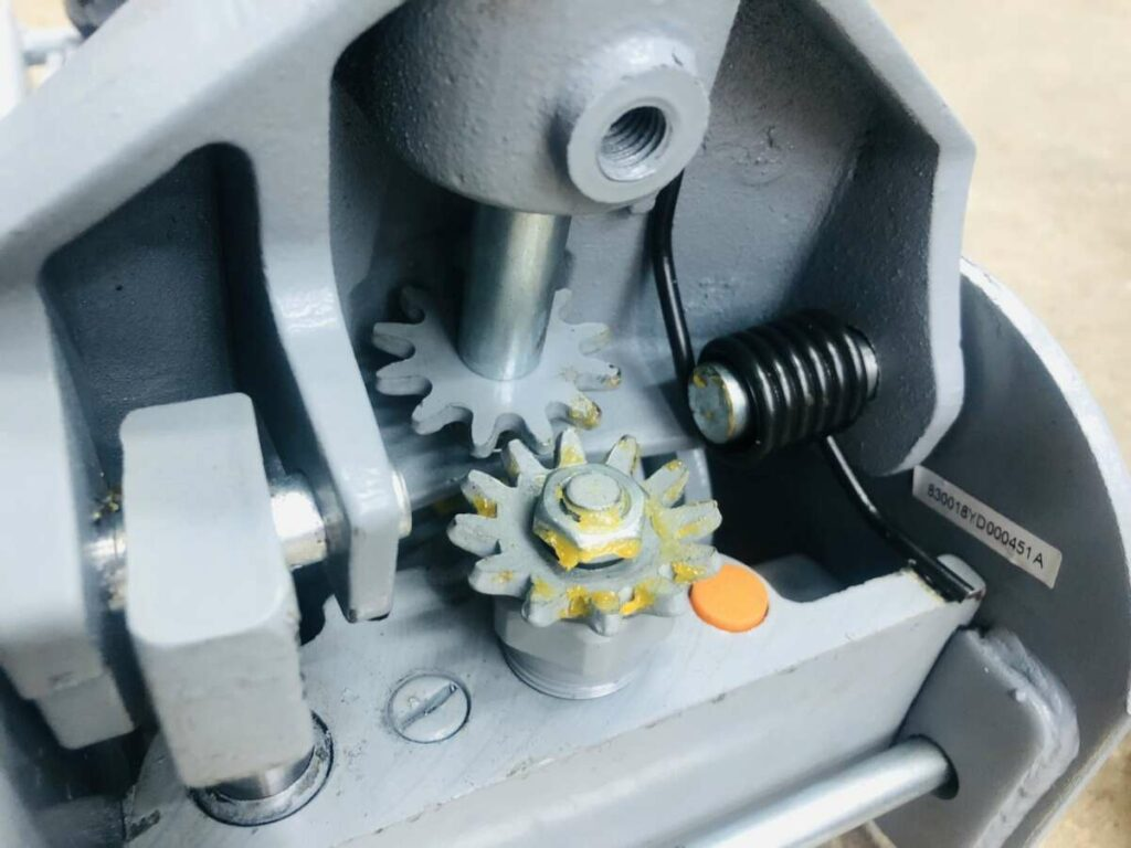 Домкрат подкатной WiederKraft WDK-81885 5